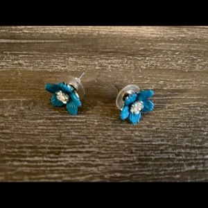 Turquoise daisy earrings from Anthropologie